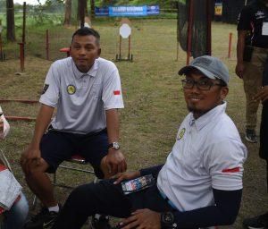 Ari & Apiq