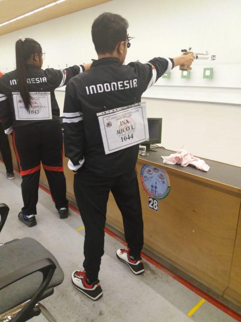 Kadek Rico Vergian Dinatha dan Lili Sulistyadewi Tirtajaya